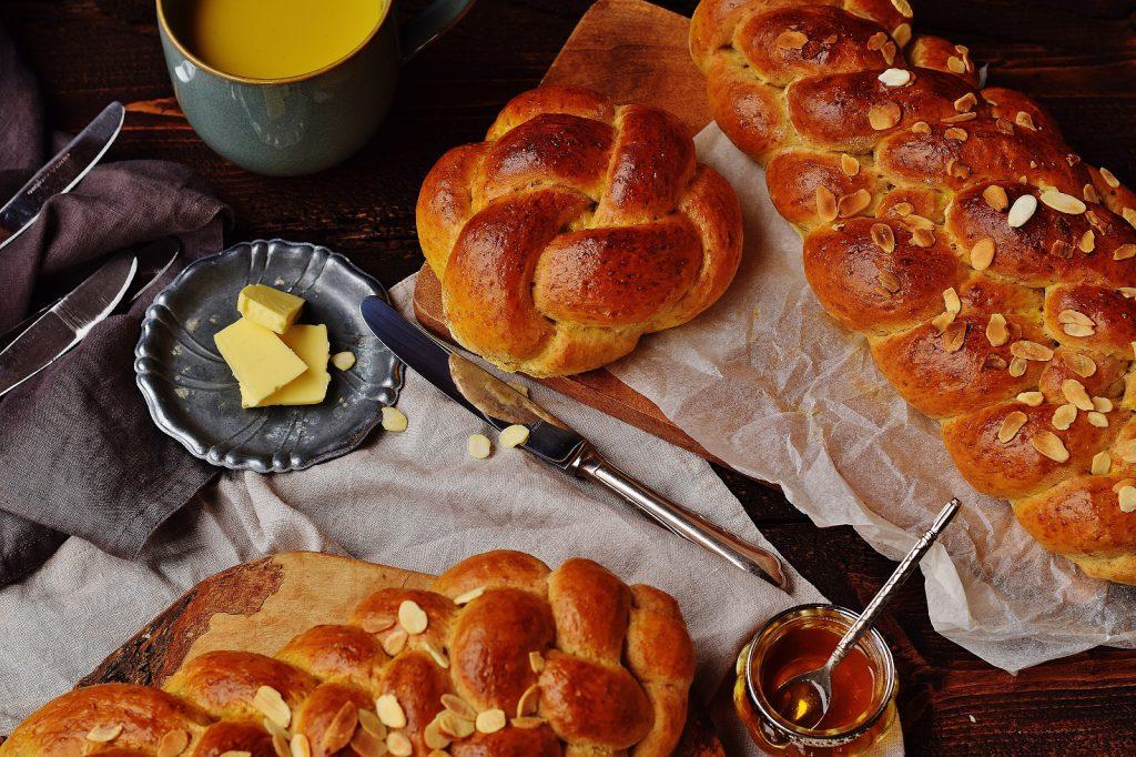 Dinkel-Striezel flechten, Wiener Knoten