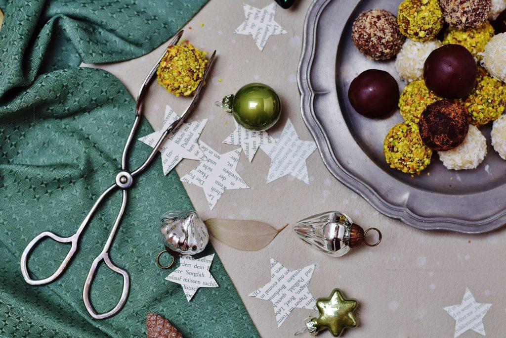 Gesunde Weihnachtspralinen - Raw Energy Balls