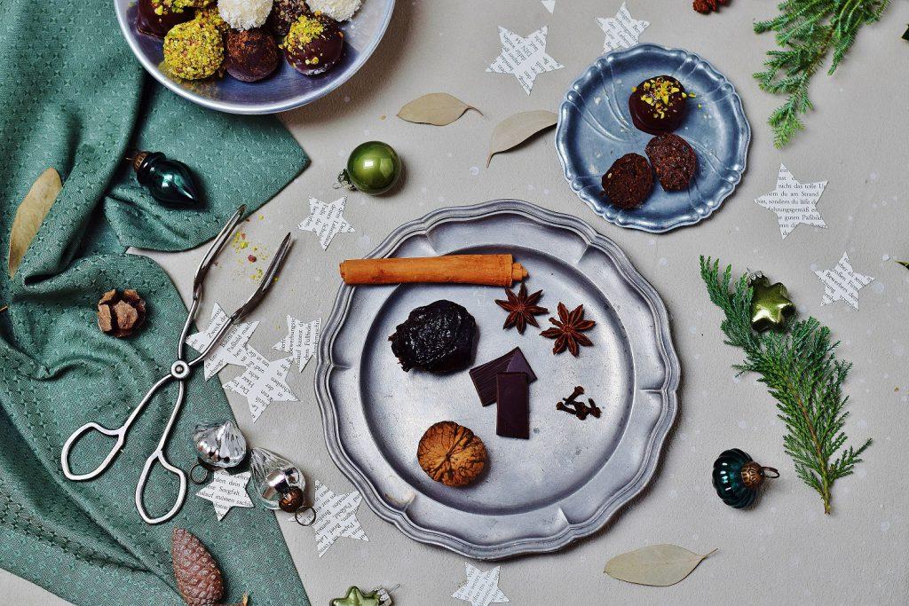 Zwetschke-Walnuss-Weihnachtspralinen