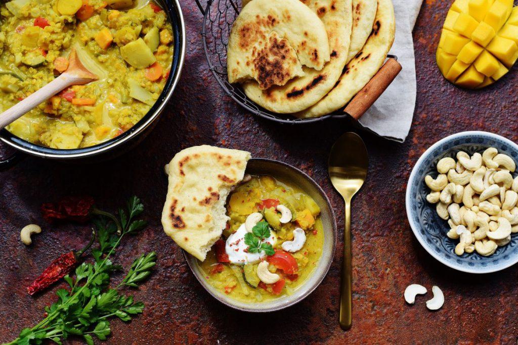 Linsen-Curry mit Pita-Brot