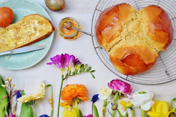 Saftige Dinkel-Osterpinze mit Honig - Traditionelles Rezept