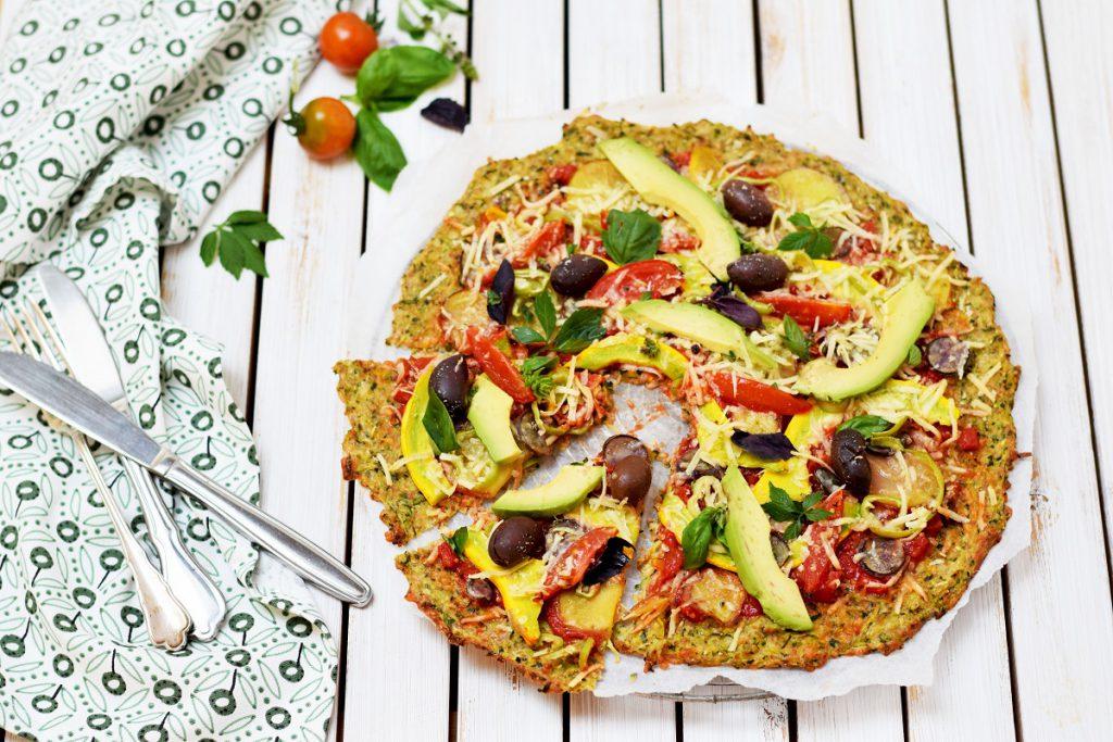 Gesunde Zucchini-Pizza - Low Carb Pizza mit Zucchiniboden