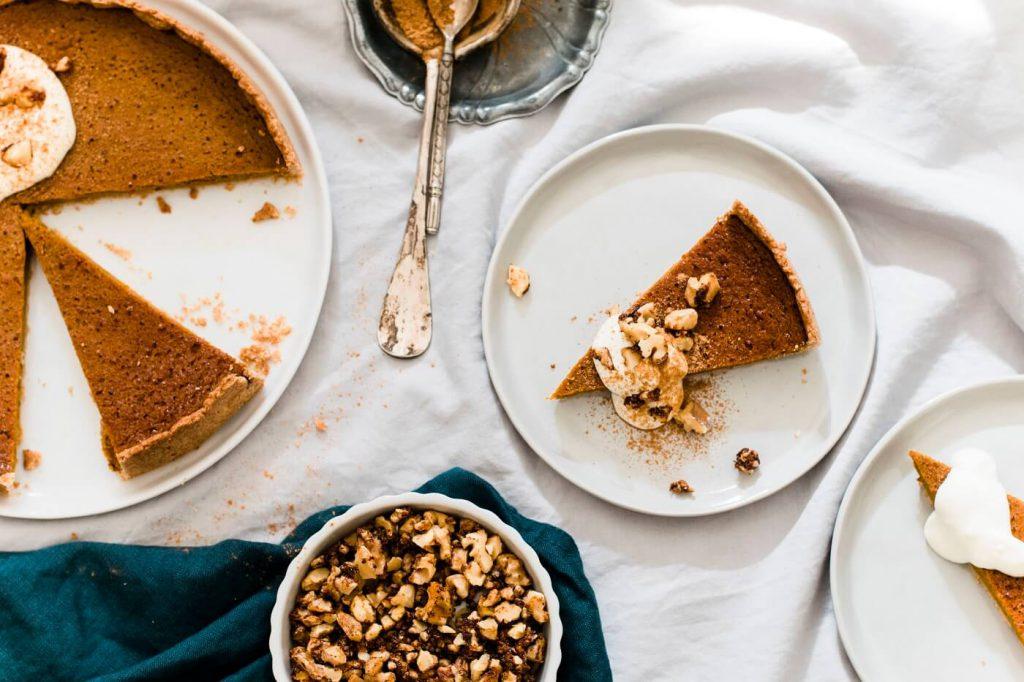 Gesunder Pumpkin Pie mit Vollkornboden